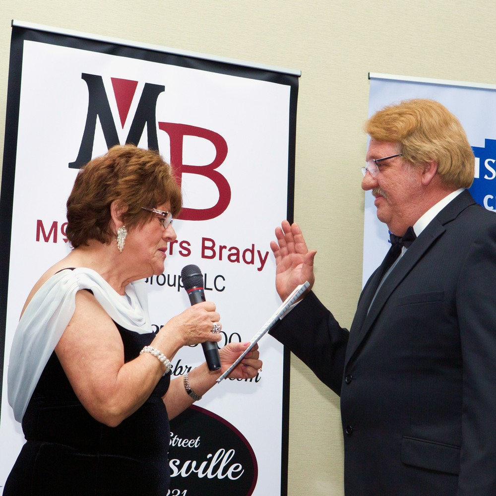 Local Broker Sworn in as President